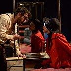 مینا ساداتی در صحنه فیلم سینمایی فروشنده به همراه سید شهاب حسینی
