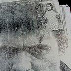 تصویری از مهوش رحیمی، بازیگر سینما و تلویزیون در حال بازیگری سر صحنه یکی از آثارش