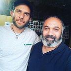 تصویری از وحید عبداللهزاده، بازیگر سینما و تلویزیون در پشت صحنه یکی از آثارش