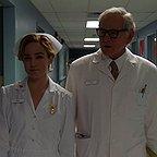 سریال تلویزیونی افسانه های فردا با حضور کیتی لاتز و ویکتور گاربر