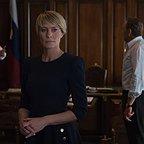 سریال تلویزیونی خانه پوشالی با حضور کوین اسپیسی، رابین رایت و Lars Mikkelsen