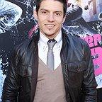 فیلم سینمایی برخاستن با حضور Jonathan 'Legacy' Perez