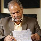 تصویری از انوشیروان نعیمی، بازیگر و مستندسازی پروژه (فیلمبردار پشت صحنه) سینما و تلویزیون در حال بازیگری سر صحنه یکی از آثارش
