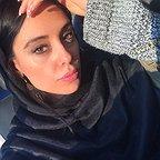 تصویری از مرجان علیزاده، دستیار تدوین و بازیگر سینما و تلویزیون در حال بازیگری سر صحنه یکی از آثارش