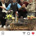 تصویری از اصغر بیات، بازیگر سینما و تلویزیون در حال بازیگری سر صحنه یکی از آثارش