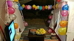 از تصویر رامبد و نگار در کنار جایزهشان تا جشن تولد در چادر!