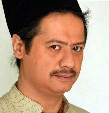 گریم علی صادقی در فیلم آتش و قداره