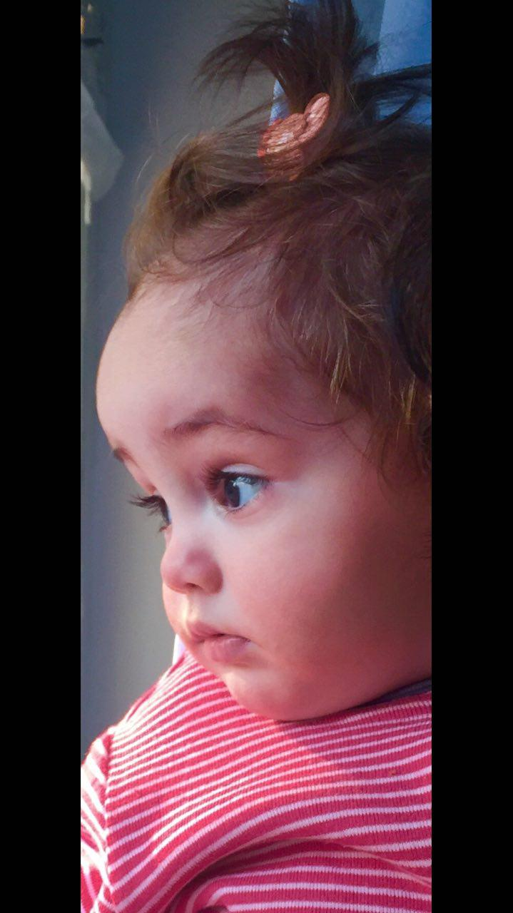 آرنیکا نیکزاد در نمایی از فیلم پرسه در حوالی من