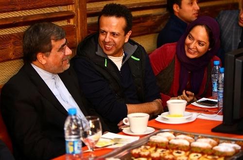 مهناز افشار و سامان مقدم در کنار علی جنتی وزیر سابق ارشاد در پشت صحنه «نهنگ عنبر2»