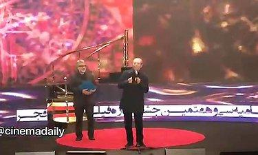 صحبت های پراحساس علی نصیریان بعدازدریافت سیمرغ بهترین بازیگرنقش مکمل جشنواره فجر